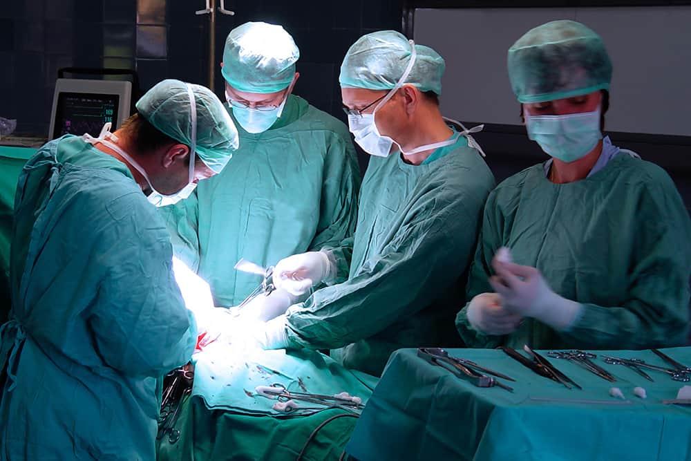 Assicurazione per colpa grave medici ed infermieri